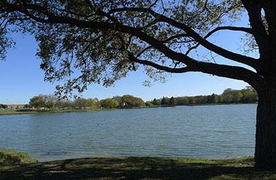 Towne Lake Park Looking East